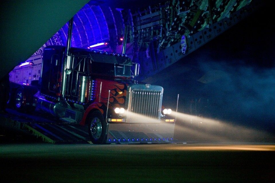 transformers 2 optimus prime airplane drop Transformers 2: New Pics, TV Spots & Soundtrack Song