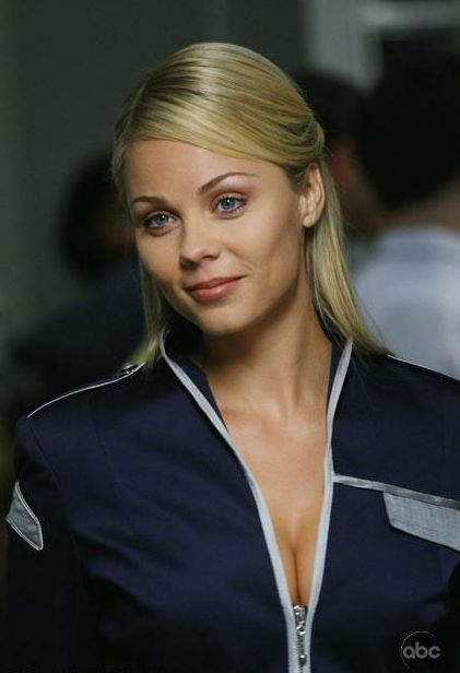 v laura vandervoort as lisa 01 crop Smallville: General Zod Cast And Other Interesting Bits