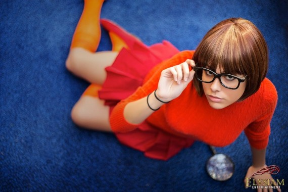 Velma Scooby Doo cosplay (by ginabcosplay)